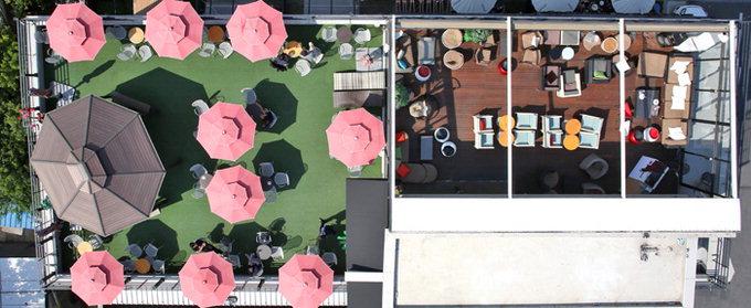 옥상영업을 하고 있는 대구시 수성구 수성못 주변의 한 커피숍. 이지용기자 sajahu@yeongnam.com
