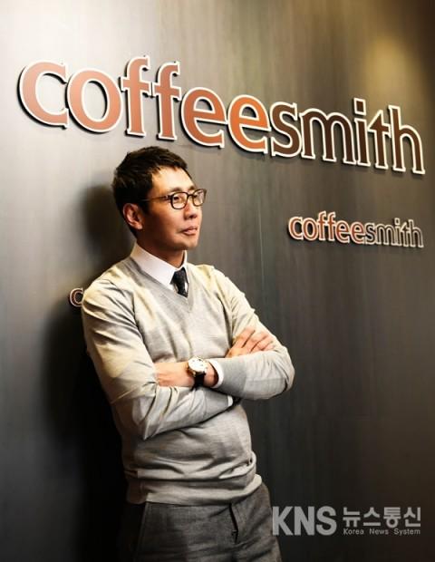 커피스미스, 직영매장 10개 추가 오픈한다